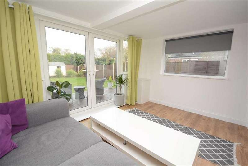 3 Bedrooms End Of Terrace House for sale in Leahurst Gardens, West Bridgford