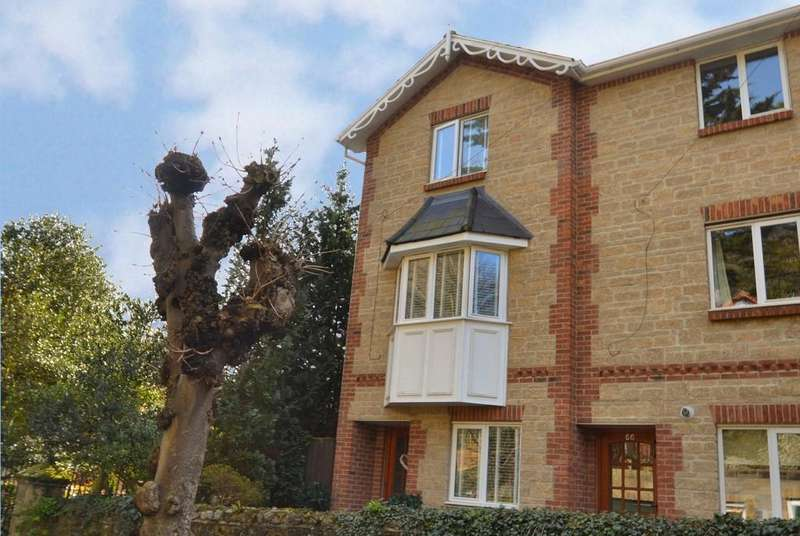 3 Bedrooms End Of Terrace House for sale in Trinity Road, Ventnor