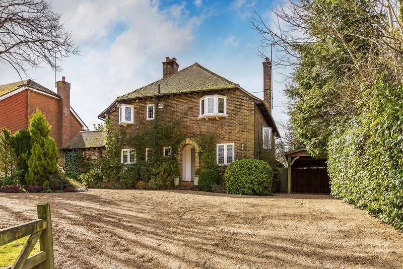 4 Bedrooms Detached House for sale in Waverley Lane, Farnham