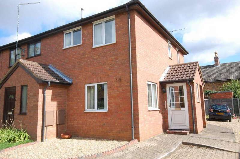 3 Bedrooms Town House for sale in Welland Court, Desborough