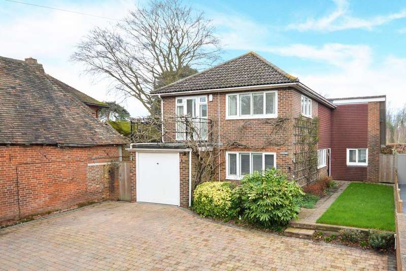 4 Bedrooms Detached House for sale in Ashford, TN25