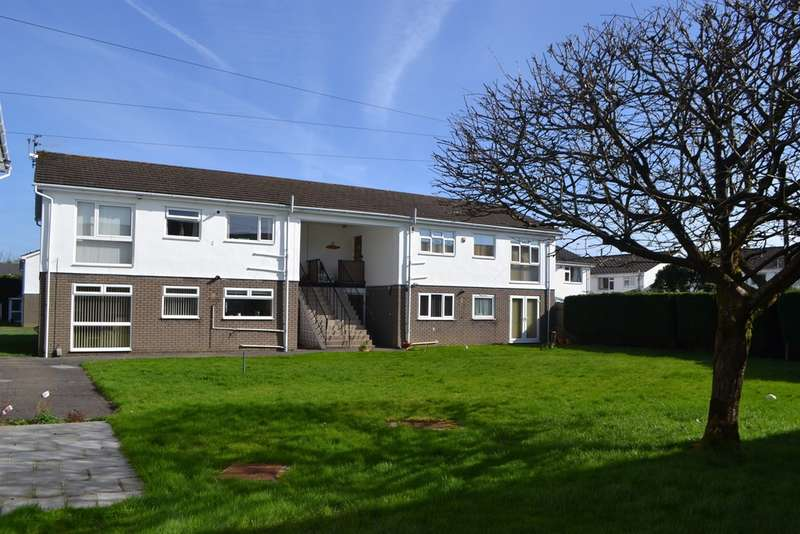 2 Bedrooms Flat for sale in Blandon Way, Cardiff
