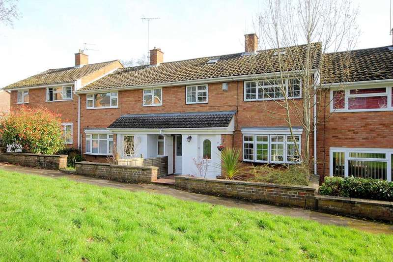 3 Bedrooms House for sale in 3 BEDROOM home with STUDY, CONSERVATORY and UTILITY ROOM in HP1.