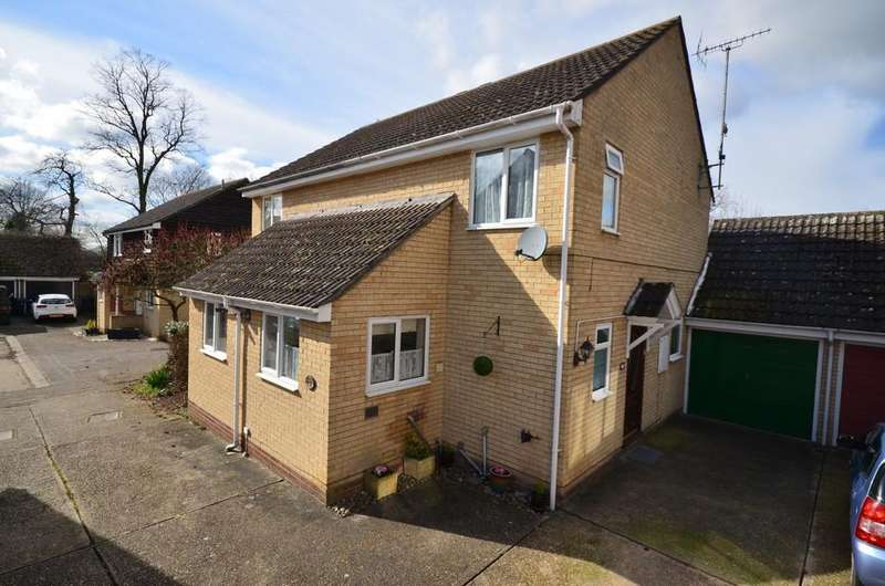 3 Bedrooms Semi Detached House for sale in Wakelin Way, Witham