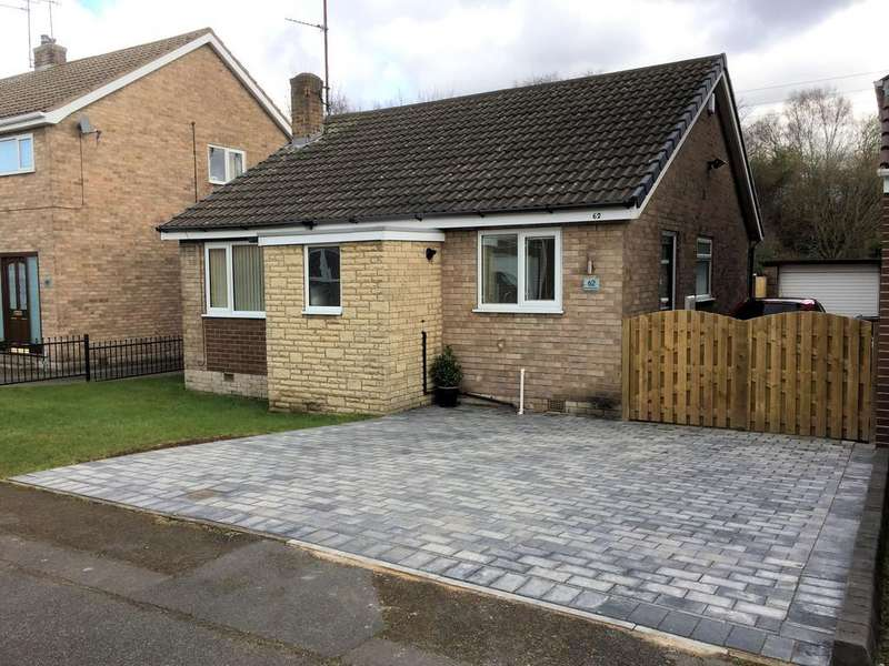 2 Bedrooms Detached Bungalow for sale in Muirfield Avenue, Swinton