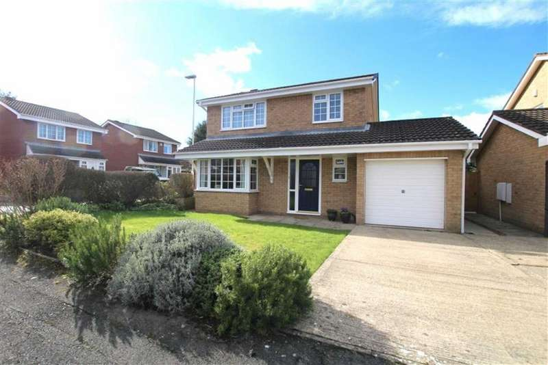 4 Bedrooms Detached House for sale in Scugdale Close, Yarm, Stockton-on-Tees