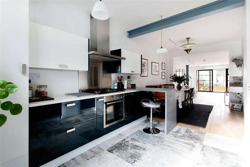 3 Bedrooms Terraced House for sale in Antrobus Road, Chiswick, London