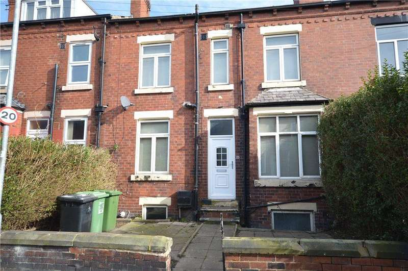 4 Bedrooms Terraced House for sale in Cross Flatts Crescent, Leeds