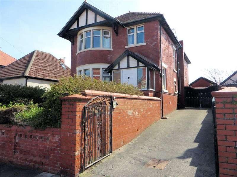 4 Bedrooms Detached House for sale in Sandhurst Avenue, Bispham, Blackpool