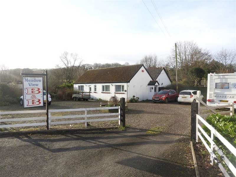 5 Bedrooms Property for sale in CENARTH