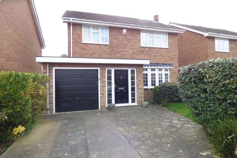 4 Bedrooms Detached House for sale in Tadlows Close, Upminster RM14