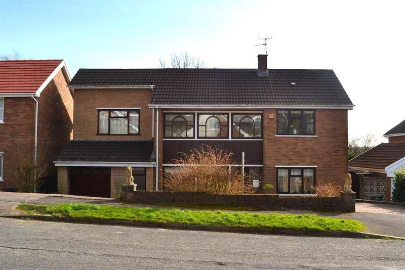 4 Bedrooms Detached House for sale in Hendrefoilan Avenue, Sketty, Swansea