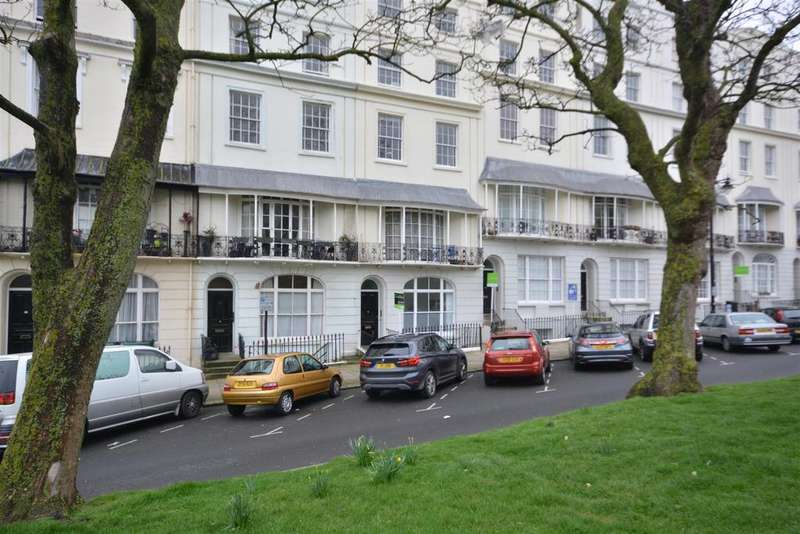 2 Bedrooms Apartment Flat for sale in Wellington Square, Hastings