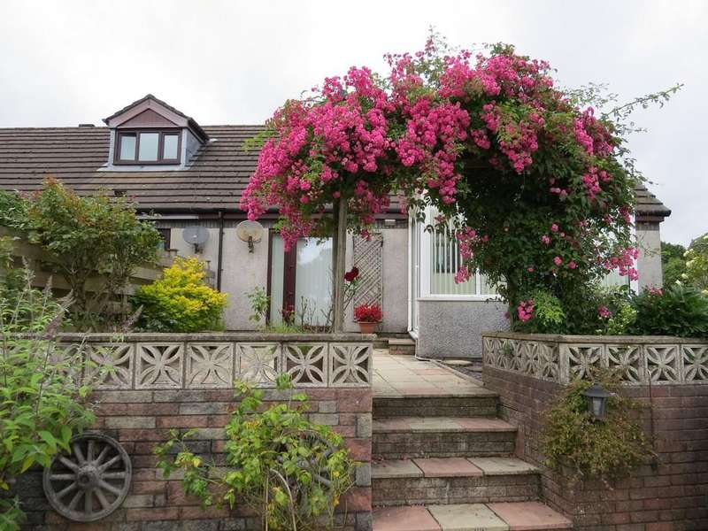 2 Bedrooms Semi Detached Bungalow for sale in Millers Walk, Cleator, Cumbria