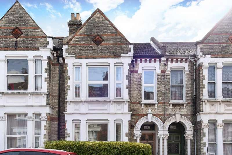 4 Bedrooms Terraced House for sale in Kingscourt Road, Streatham Hill, SW16