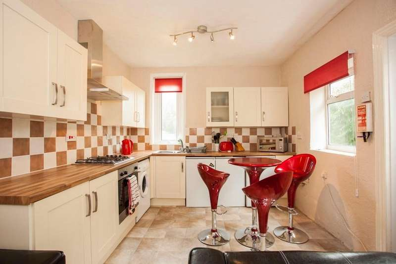 5 Bedrooms Detached House for rent in Shelbourne Road