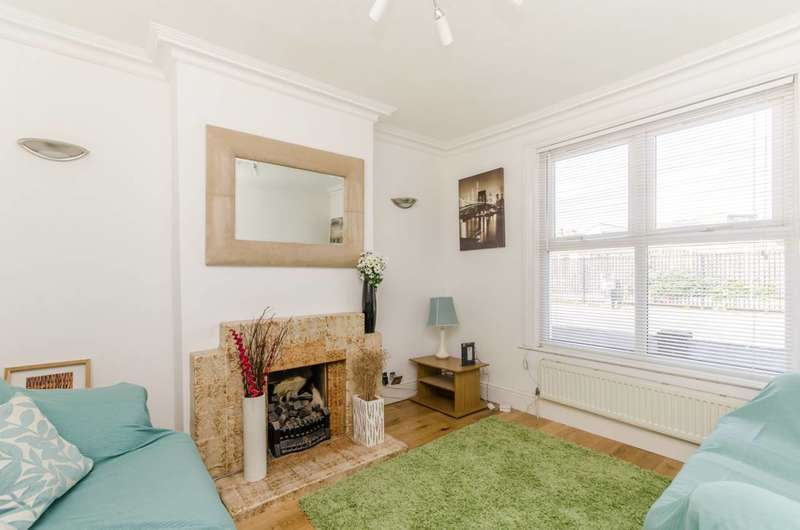 2 Bedrooms House for sale in Pridham Road, Thornton Heath, CR7