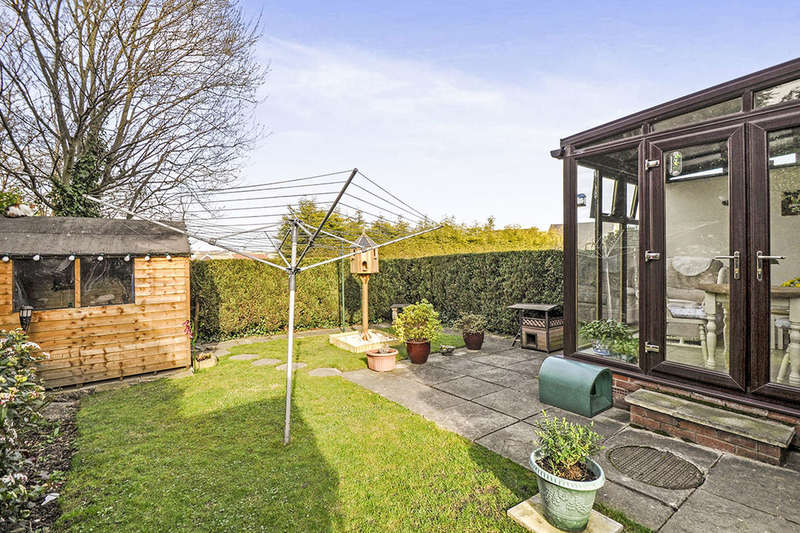 3 Bedrooms Property for sale in High Greave Court, Sheffield, S5