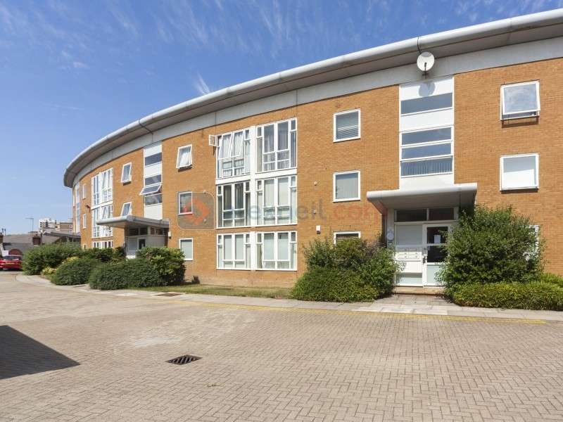 1 Bedroom Flat for sale in Grimsby Grove, Beckton E16