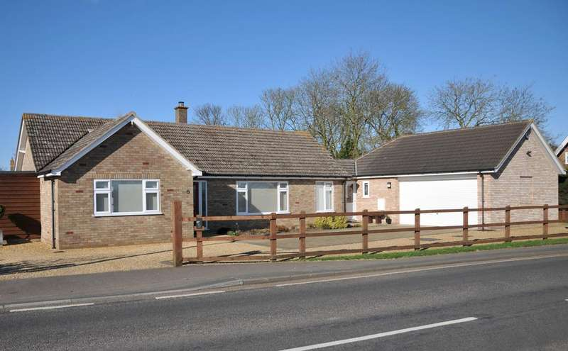 3 Bedrooms Detached Bungalow for sale in Holme PE7