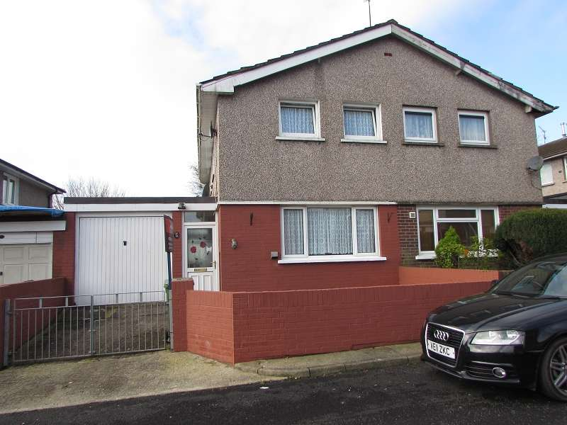 3 Bedrooms Semi Detached House for sale in Wern Deg , Pencoed, Bridgend. CF35 6YB