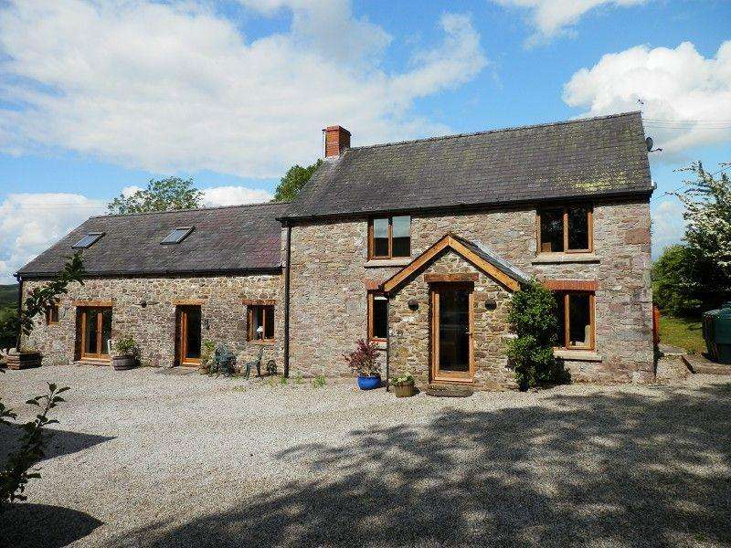 4 Bedrooms Detached House for sale in Llanddeusant, Llangadog, Carmarthenshire.