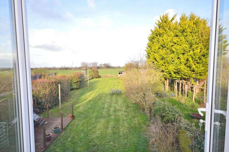 4 Bedrooms Detached House for sale in Bradfield Road, Wix, Manningtree