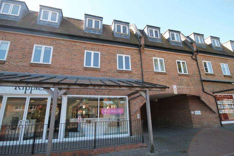 2 Bedrooms Apartment Flat for sale in Adastra Place, Keymer Road, Hassocks, West Sussex,