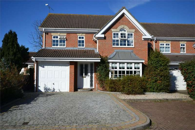 4 Bedrooms Detached House for sale in Wallace Binder Close, Maldon, Essex