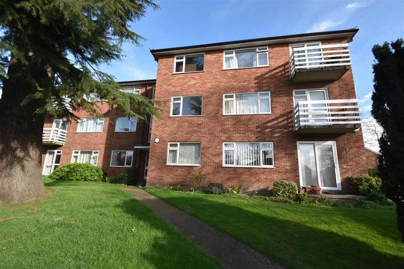 2 Bedrooms Flat for sale in Droitwich Road, Worcester