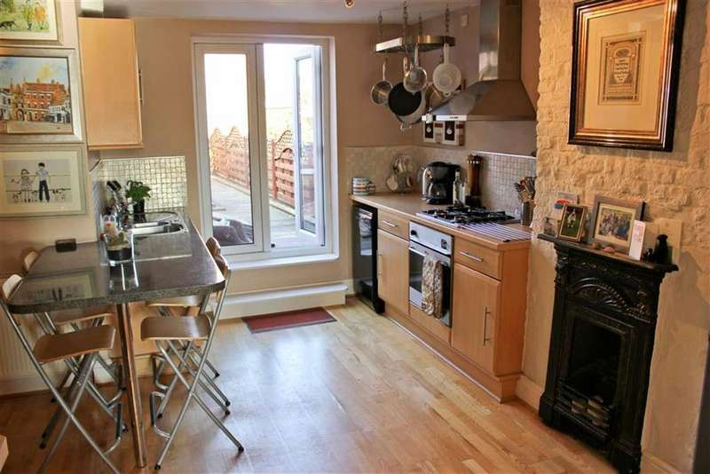 4 Bedrooms Town House for sale in Highgate, Beverley, East Yorkshire