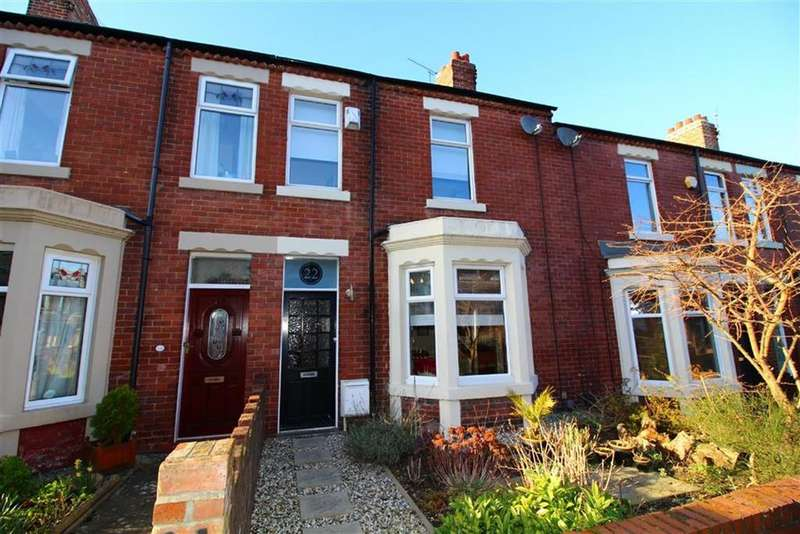 3 Bedrooms Terraced House for sale in Princes Gardens, Monkseaton, Tyne Wear