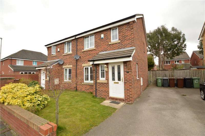 3 Bedrooms Semi Detached House for sale in Fennel Court, Methley, Leeds