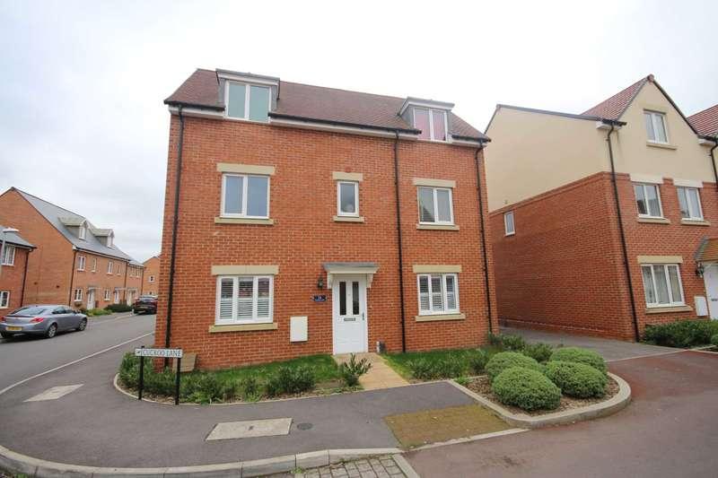 4 Bedrooms Detached House for sale in Cuckoo Lane, Jennett`s Park