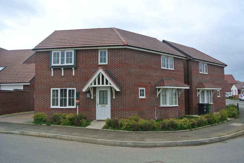 3 Bedrooms Detached House for sale in Sunset Way, Evesham