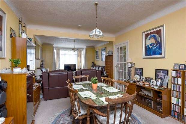 3 Bedrooms Semi Detached House for sale in Norton Gardens, LONDON, SW16