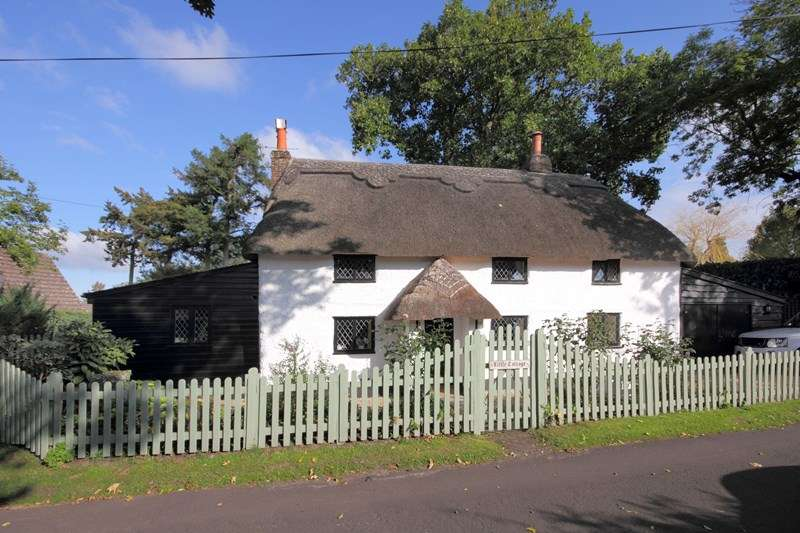 3 Bedrooms Cottage House for sale in Hill Lane, Bransgore, Christchurch