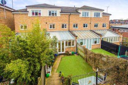 4 Bedrooms Terraced House for sale in Rickmansworth Road, Watford, Hertfordshire