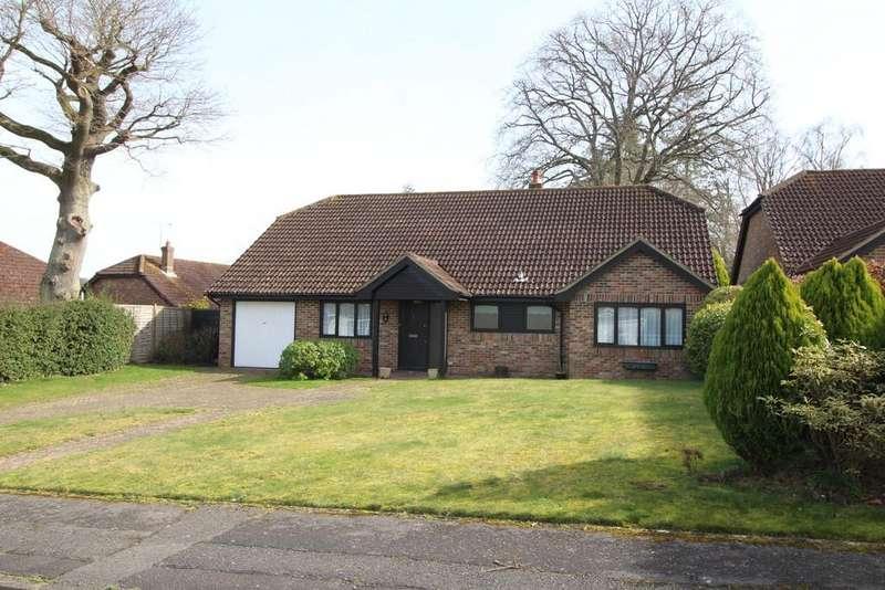 3 Bedrooms Detached Bungalow for sale in Haglands Copse, West Chiltington