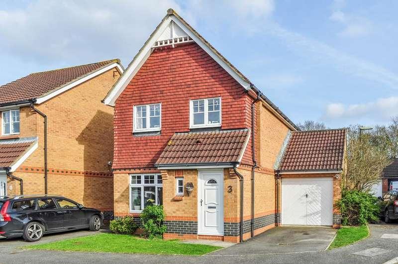3 Bedrooms Link Detached House for sale in Lulworth Close, Bewbush