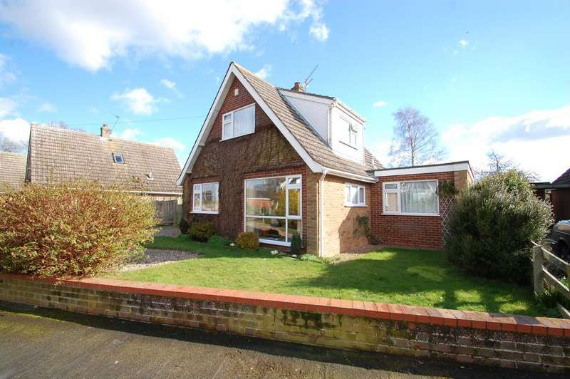 2 Bedrooms Chalet House for sale in Oakfield Drive, South Walsham