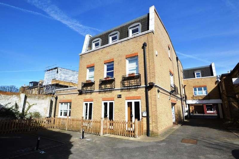 2 Bedrooms Flat for sale in Westow Street London SE19