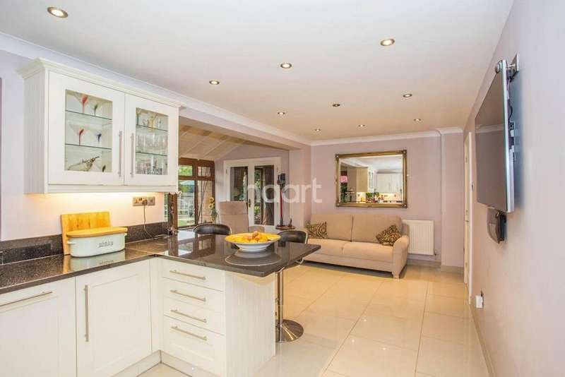 5 Bedrooms Detached House for sale in Arlington Park Road, Middleton