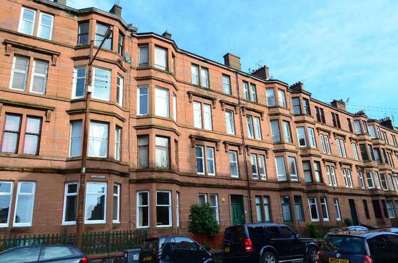 2 Bedrooms Flat for sale in White Street, Flat 2/2, Partick, Glasgow, G11 5EB