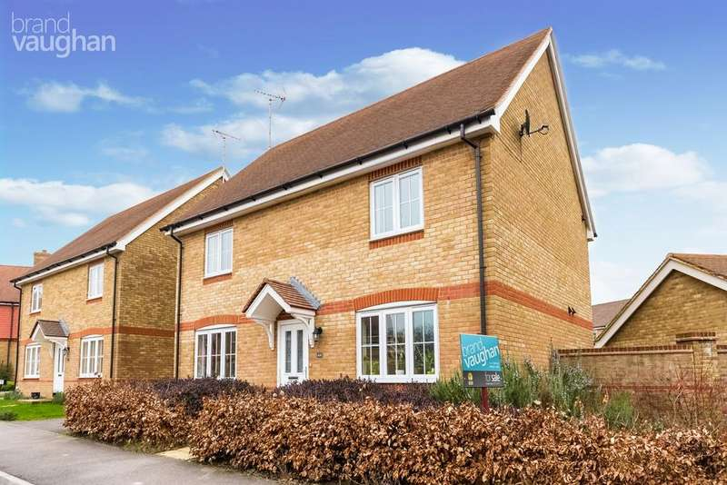 4 Bedrooms Detached House for sale in Oak Tree Drive, Hassocks, BN6