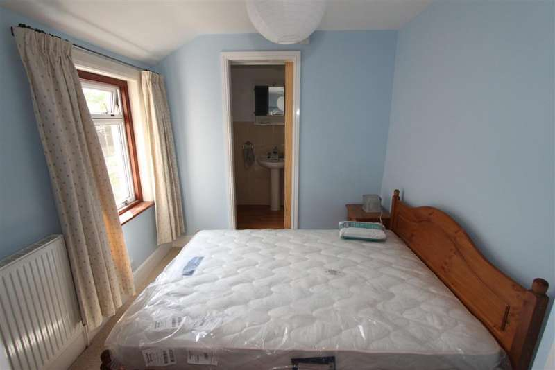 4 Bedrooms House Share for rent in Twyford Road, Eastleigh SO50