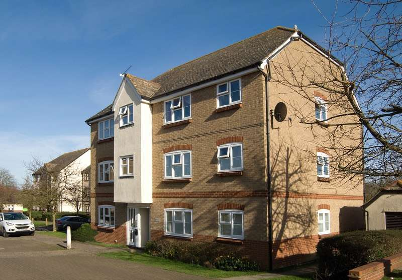1 Bedroom Flat for sale in Elderberry Gardens, Witham, Essex, CM8