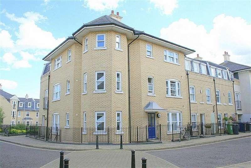 3 Bedrooms Flat for sale in St Matthews Gardens, Cambridge