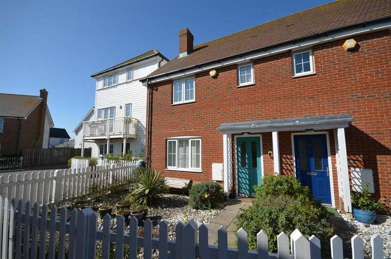 3 Bedrooms Semi Detached House for sale in Sandy Way, Camber