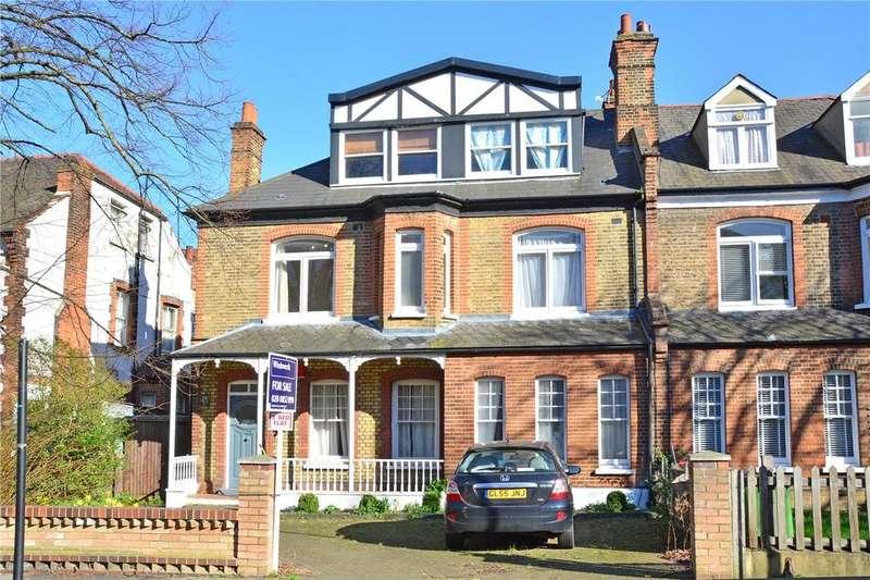 2 Bedrooms Flat for sale in Glenluce Road, Blackheath, London, SE3